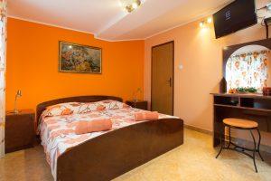 Four bedroom attic apartment